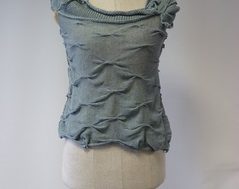 Special price. Artsy knitted jadeite lien top, M size.