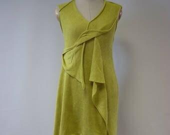 Summer linen dress M size. Feminine fashion pattern.