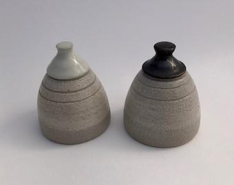 Modern black and white stopper-less stoneware ceramic salt and pepper shaker, pottery salt and pepper shaker