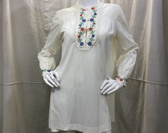 70s Nightshirt Tunic Vanity Fair Vintage Nightgown Sleepwear Embroidered Flowers Floral