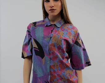 Vintage women's shirt abstract pattern vintage clothing short Sleeve blouse Vintage exclusive 1980s Shirt retro medium sized top summer