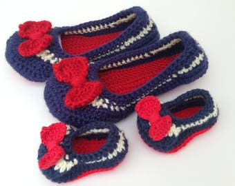 mother and baby crochet slippers. Nautical mother and baby slippers. Mother and baby gift.