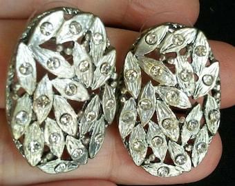 Rhinestone Earrings oval silver Tone  Clip On button pierced earrings Statement Runway wedding earrings prom earrings Excellent Condition!