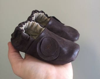 Brown leather baby girl shoes, up cycled leather baby shoes, baby girl booties, baby shower gift, baby girl gift