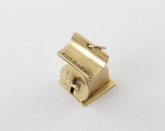 Vintage 14kt Yellow Gold 3D Moveable Baby Scale Charm