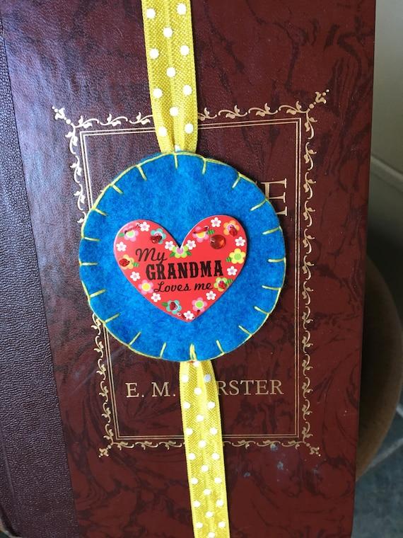 My Grandma Loves Me Felt Bookmark, Grandma bookmark, bookmark, planner elastic, hand sewn, unique bookmark, gift from Grandma,