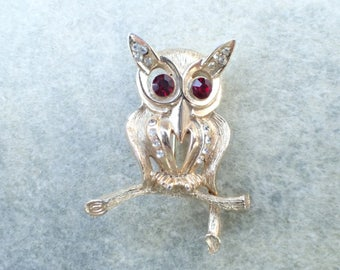 Vintage Signed Weiss Owl Brooch Figural Bird AB516