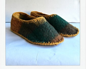 Slippers of vintage blankets