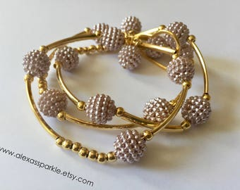 Mauve honeycomb bracelet set with goldplated connectors and beads / Pulseras panal color morado con separadores de chapa de oro