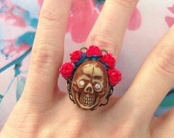 Adjustable ring crane red roses dia los muertos