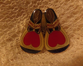 Vintage Allen Edmonds Clown Shoes RSVP International Hearing Dog Sign Language 3000 hours Profile of a Champion enamel buttons or pins