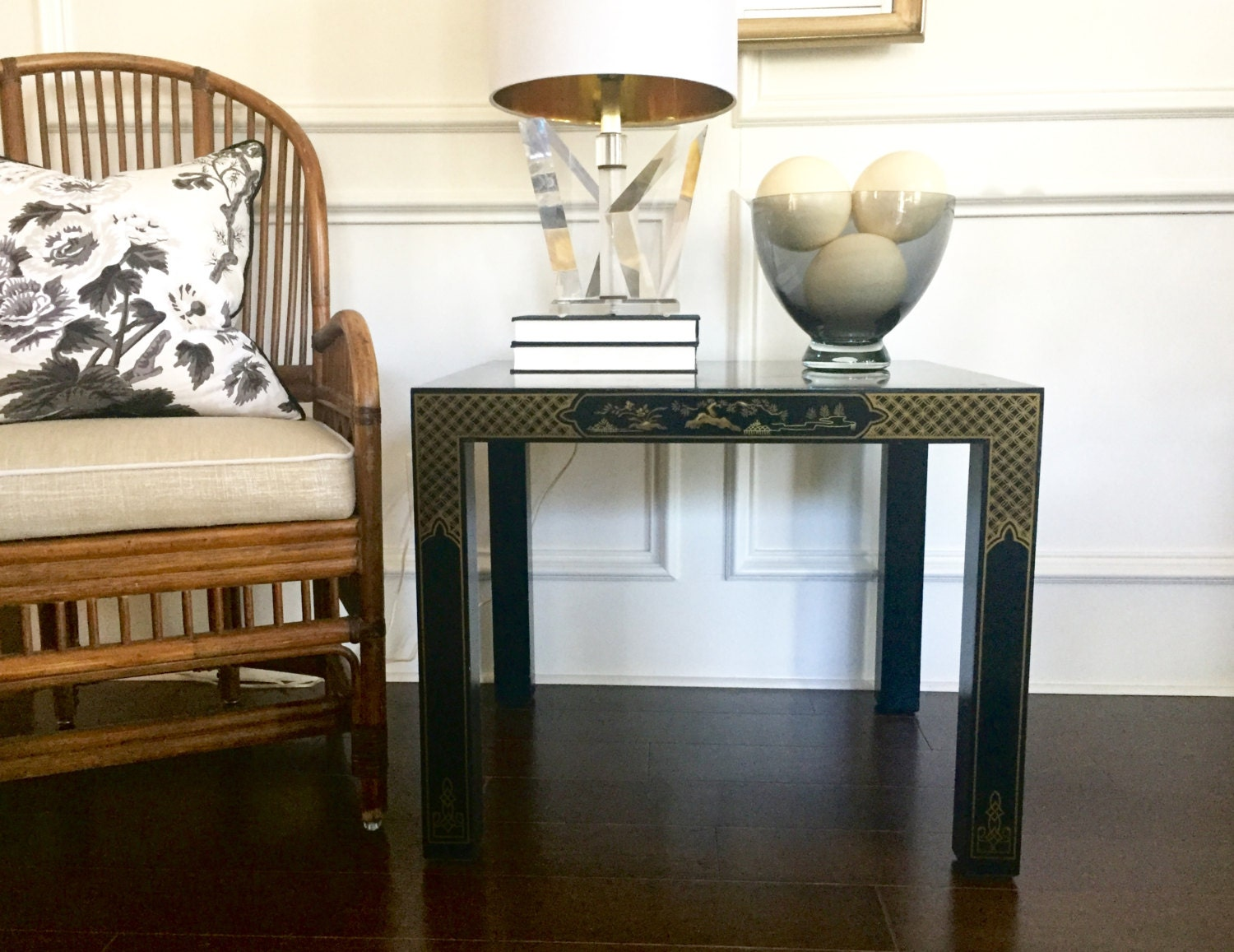 Vintage drexel heritage chinoiserie style end table painted zoom geotapseo Image collections