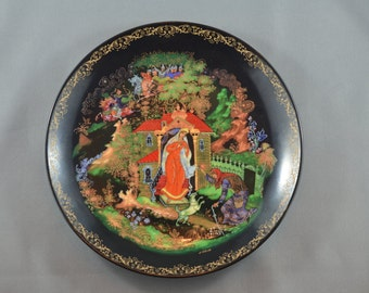 """Palekh """"Палех"""" USSR Collector Hand Painted Plate """"Russian fairy tales"""" A.S.Pushkin's """"The Tale of the Dead Princess and the Seven Knights"""""""