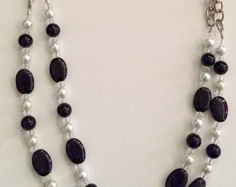 Midnight pearl necklace