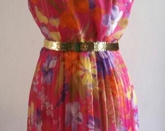 Beautiful pink floral 70s dress