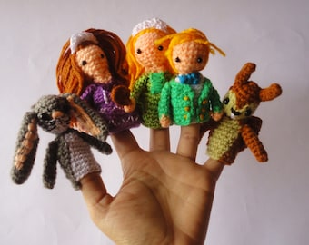 Finger puppets hand crochet Sofia The First, play theater, entertaining, teaching aids, home school accesorry, GMmasDesign