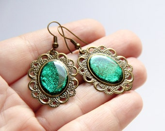 Green earrings Resin jewelry Delicate earrings Dangle oval earrings Resin earrings Sparkle earrings Green jewelry gift Glitter women jewelry