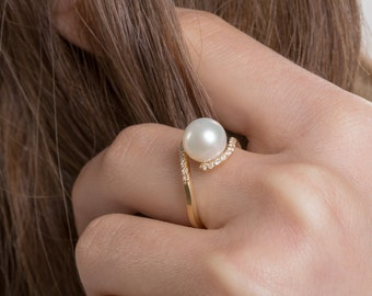 Natural Pearl Ring, 18k Gold Pearl Ring, Engagement Ring, Solid Gold Pearl Ring, Diamond Pearl Ring, Pearl Wedding Ring, Engagement Pearl