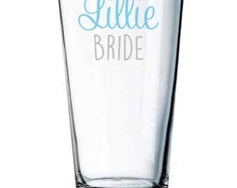 Bride Pint Glass with Name, Date Optional, Pub Glass, Bridesmaid Gift, Maid of Honor Gift, Beer Gift for Her, Gift for Bride, Beer Glass