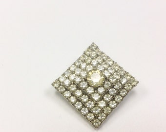 Vintage, Art Deco to 1950s, paste brooch. Vintage, sparkly, rhinestone brooch.