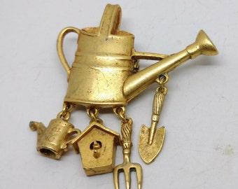 Vintage Gold Tone Gardner's Brooch