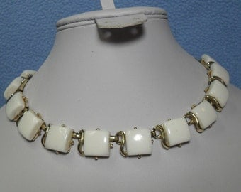 SALE! Vintage White Thermoset Choker Necklace (was 14.00)