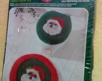 Latch Hook Kit- 2 piece -Santa Bath Rug and Toilet Cover, Vintage