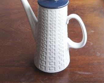 Great sixties / seventies earthenware coffee pot, Ceramano W.  Germany, model Epsilon, colour white / blue, abstract design, great condition