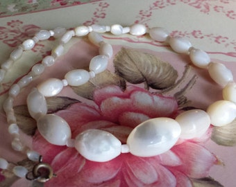 Vintage MOP Graduated Bead Necklace Vintage Mother Of Pearl Oval Bead Necklace