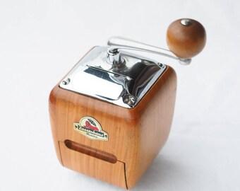 THE Zassenhaus BRILLANT # 531 Coffee Grinder in excellent condition