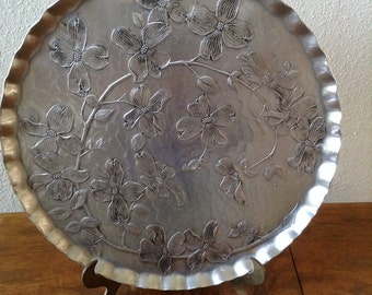 "Vintage Hammered Aluminum Round Tray, Serving Tray, Wendell August Tray, Large 15.75"" Diameter"