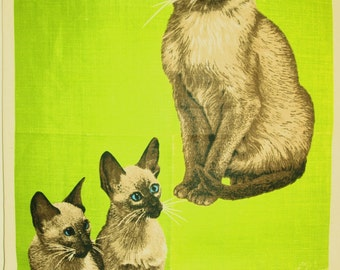 Ulster Siamese Cats and Kittens at Play Tea Towel - Irish Linen Cats Playing with Wool - New Old Stock - Mint!