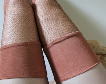 1940s Hose - Vintage Fishnet Stockings - 1940s Rayon Cuban Heel Seamed Stockings - Peach Pink Size M/L