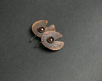 Hammered earrings Garnet earrings Organic earrings Art jewelry Copper earrings Garnet jewelry Earthy jewelry Copper and silver Leaf earrings