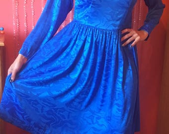 1980's silky long sleeve v-neck back pleated royal blue dress