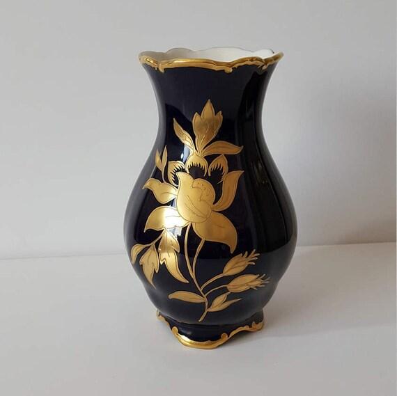graf von henneberg porzellan jlmenau 1777 echt kobalt vase. Black Bedroom Furniture Sets. Home Design Ideas