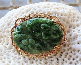 Carved Jade ..  Pretty Floral Green Pin Brooch **  Nephrite Flower Jewelry