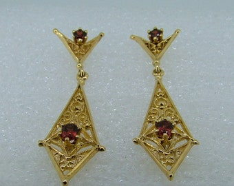 Yellow gold and garnet drop earrings-drop garnet earrings-gold drop earrings-long garnet earrings-long gold earrings