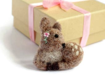 Fawn Brooch, Fawn Jewellery, Fawn Pin, Fawn Badge, Woodland Jewellery, Baby Deer, Needle Felted Fawn, Nature Lovers, Woodland, Fawn Jewelry