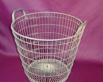Très grand panier corbeille métal. Very large metal basket.  Déco. France