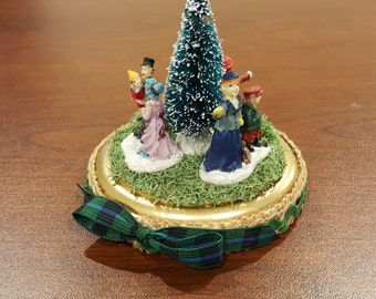 Christmas Diorama on Wooden Plaque Miniature People and Bottle Brush Tree Holiday Decor Free Shipping