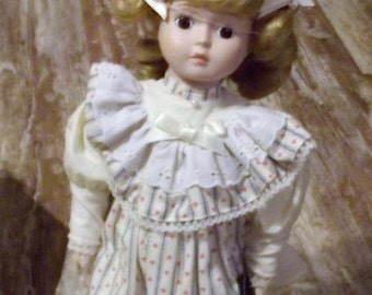 "Royal Heirloom Collection Porcelain Doll ""PAULINE"", #3712/4560"
