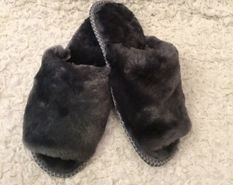 Womens slippers, Merino wool , Open toes slippers, Sheepskin slippers, Womens fur slippers,Gray slippers, Fluffy slippers, Lambs slippers
