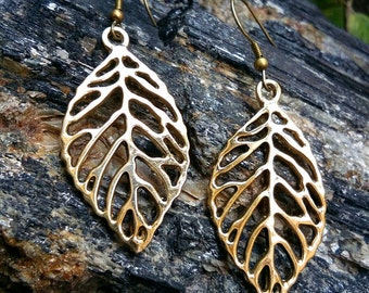 Leaf Earrings, Brass Leaf Earrings, Dangle Earrings, Drop Earrings, Nature Inspired, Brass Jewelry, Boho style, Brass Earrings, Handmade.
