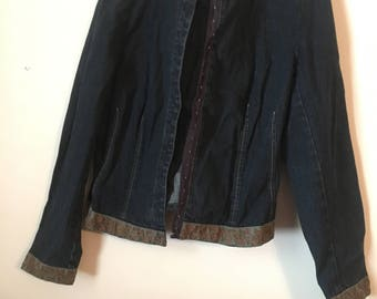 Vintage Embroidered Denim Jacket Size M/L