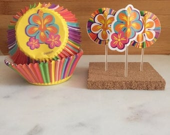 Hawaiian Cupcake Kit, Liners and Toppers, Decorating Kit (24)