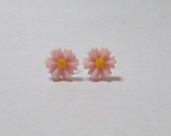 Small Pink Daisy Flower Ear Studs Flower Earrings Earstuds Resin Flowers