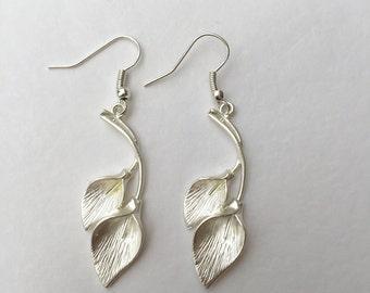 Calla lily earrings, matte silver calla lily, lily drop earrings, lily charm earrings, silver lily earrings, silver calla lily earrings