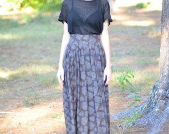 Drew Skirt : Floor length skirt with two pockets