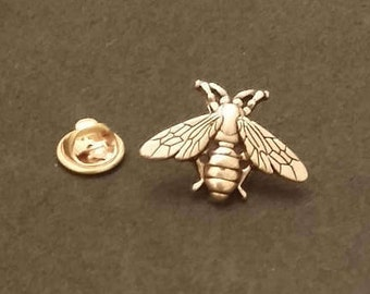 Old gold bee pin brooch